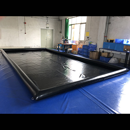 Inflatable car wash mat